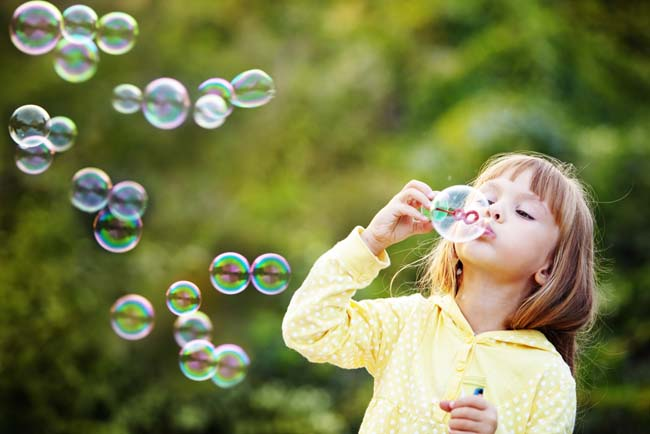 9 Screen-free Activities to Do With Your Kids
