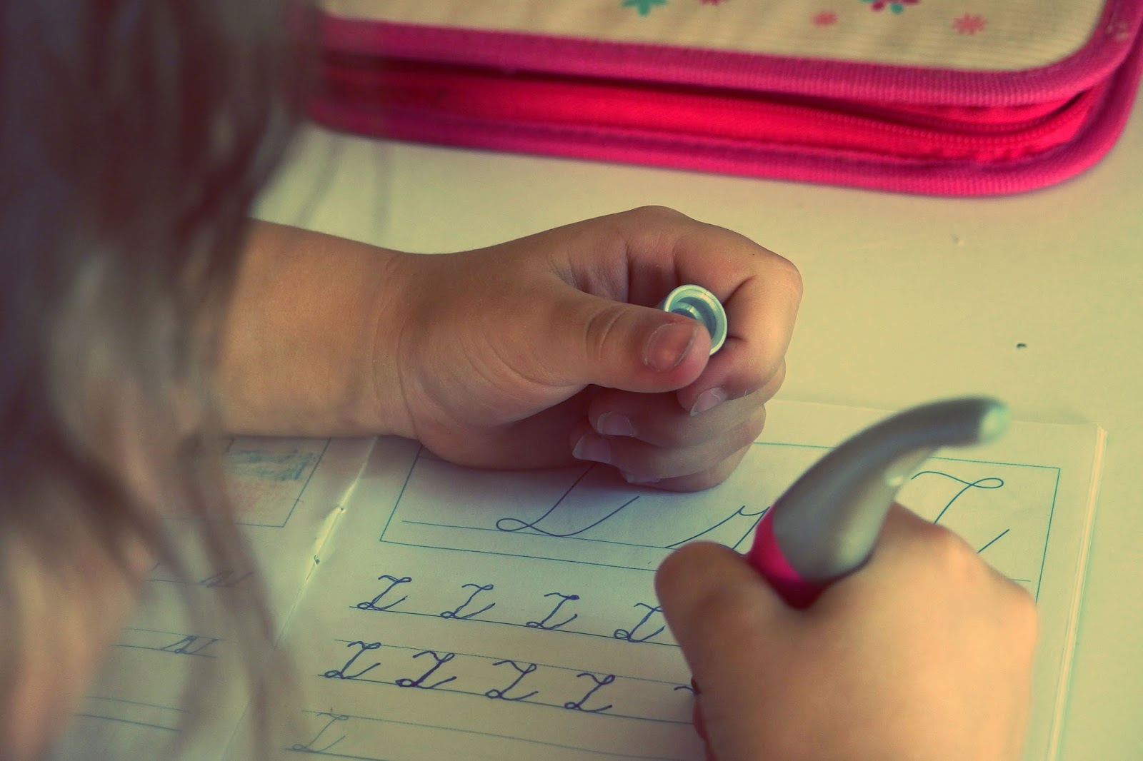 5 Signs Your Child Needs a Tutor (And How to Find One)