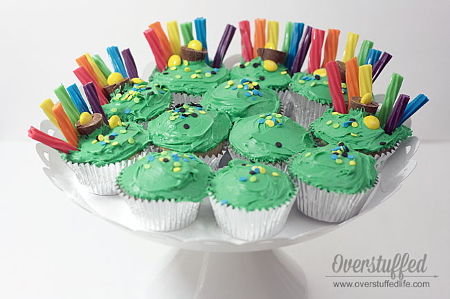 Easy St. Patrick's Day Rainbow Cupcakes