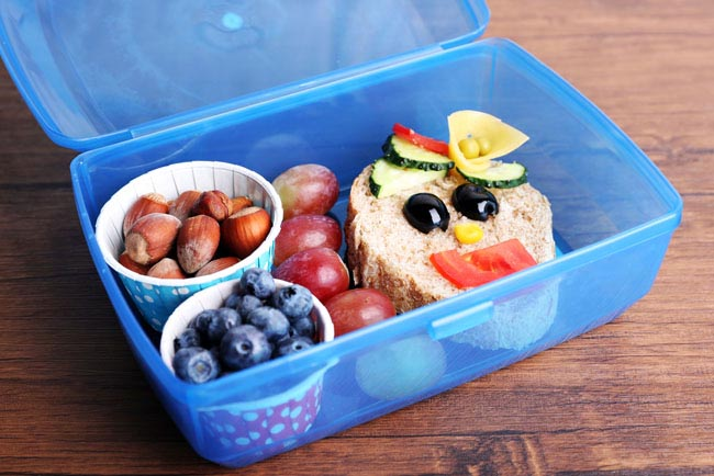 How to Teach Your Kids to Pack Their Own School Lunch
