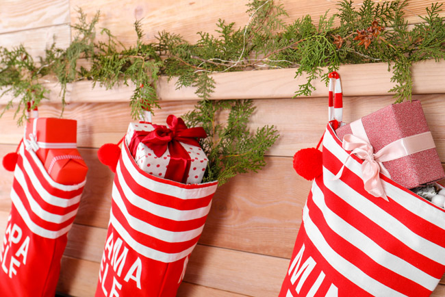 Simple Christmas Traditions to Start with Your Family